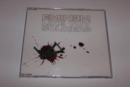 Eminem Like Toy Soldiers 4 spors Promo CD singel - Oslo - Eminem Like Toy Soldiers 4 spors Promo CD singel SPOR: 1. Like Toy Soldiers (Explicit Version) 2. Like Toy Soldiers (Clean Version) 3. Like Toy Soldiers (Instrumental) 4. Like Toy Soldiers (Acapella) ÅR: 2004 Katalognr: Aftermath Entertainment – - Oslo