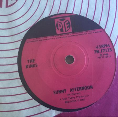 """KINKS  Sunny Afternoon/ I'm Not Like Everybody Else (Pye - Dyrvk - 6. Till The End Of The Day/ Where Have All The Good Times Gone (Pye 7N 15981 UK 7"""" 1965) This is a mispressing. The labels are pressed on the wrong side . UK original with a solid centre & 1st press A-1/ B-1 matrices. It has its original company p - Dyrvk"""