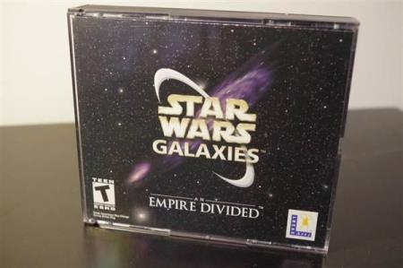 STAR WARS GALAXIES AN EMPIRE DIVIDED PC CD-ROM