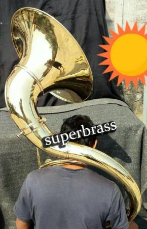 Full messing Zweiss sousaphone. 3/4 størrelse. Gullfinish.