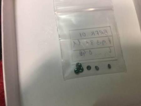 6st 0,98carat brilliantslipde grøne diamanter