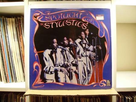 THE STYLISTICS - THE SPOTLIGHT ON THE STYLISTICS