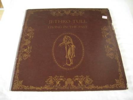 JETHRO TULL - LIVING IN THE PAST  2 LP