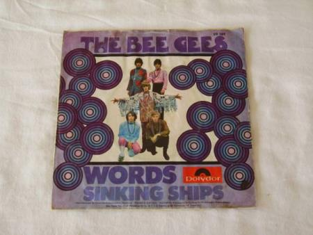BEE GEES - WORDS / SINKING SHIPS