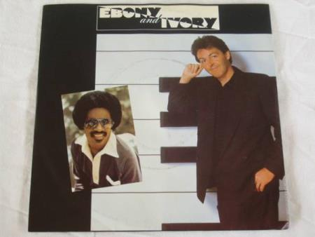 PAUL McCARTNEY / STEVIE WONDER - EBONY AND IVORY / RAINCLOUD